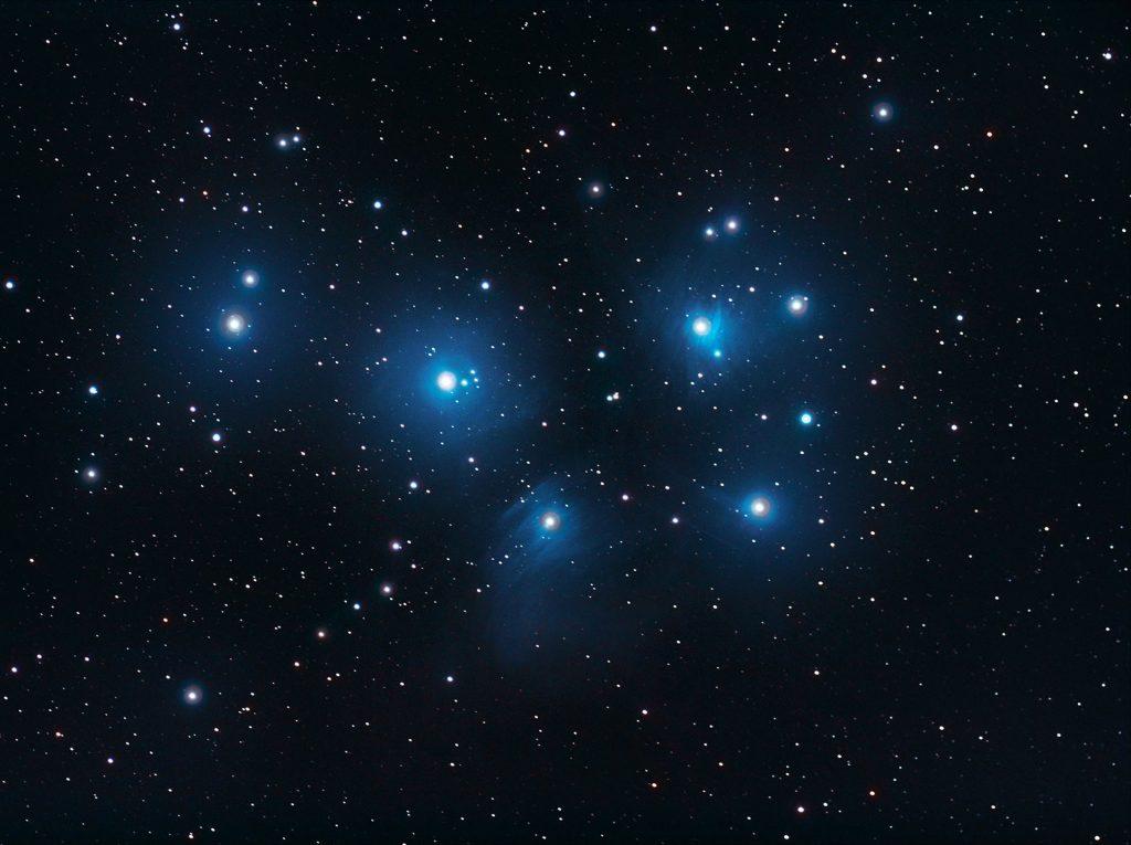 Plejady M45 – gromada gwiazd widoczna gołym okiem