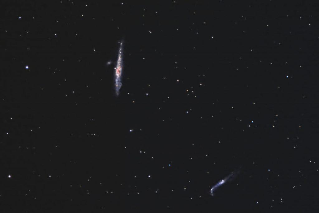 Galaktyka Wieloryb NGC 4631, Kij Hokejowy  NGC 4656