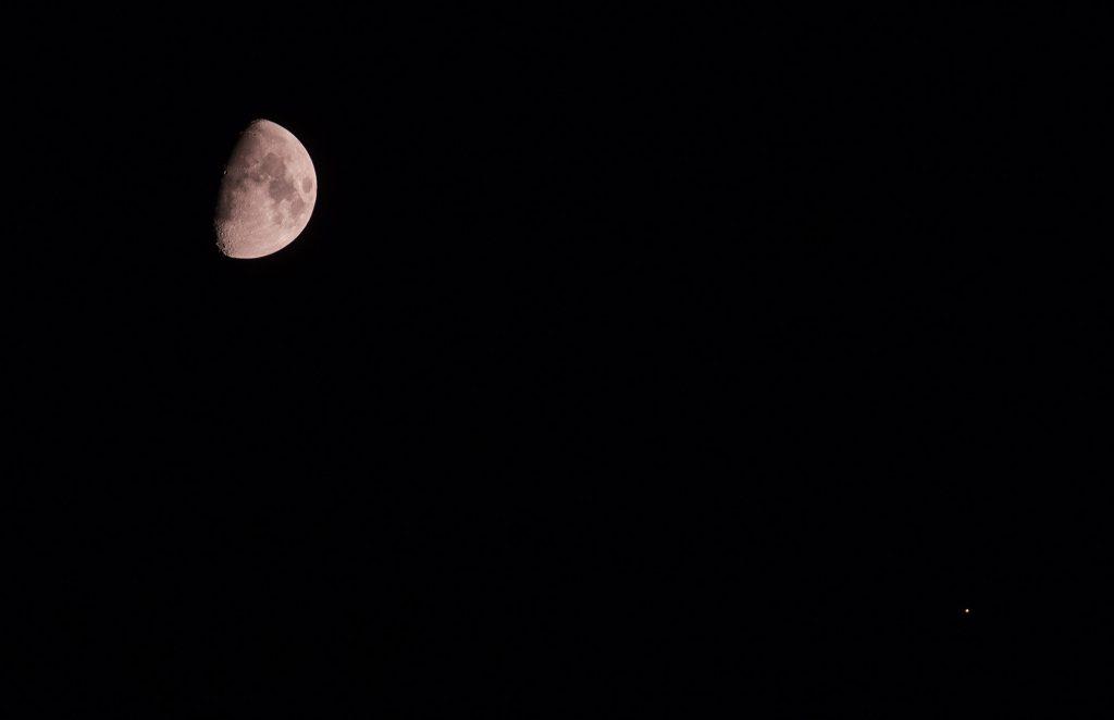 Koniunkcja Księżyca z Marsem