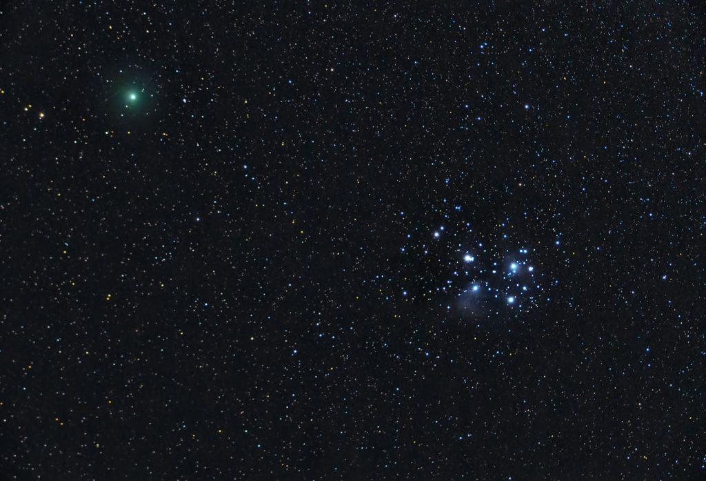 Kometa 46P/Wirtanen w pobliżu Plejad M45