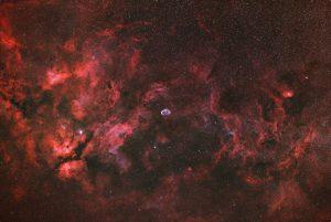 Sadr, Mgławica Motyl (IC 1318), Półksiężyc (NGC 6888), Tulipan (SH2-101)
